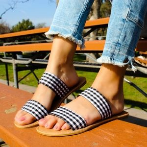 🆕//The Analise// Plaid double strap Sandal